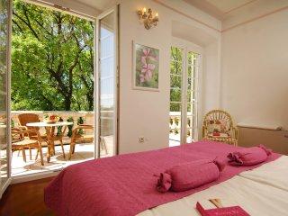 4 bedroom Villa in Durovići, Dubrovačko-Neretvanska Županija, Croatia : ref 5547