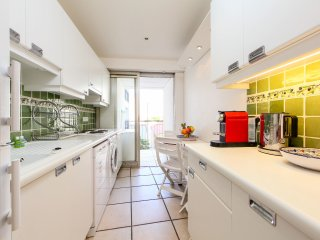 3 bedroom Apartment in Cannes, Provence-Alpes-Côte d'Azur, France : ref 5547328