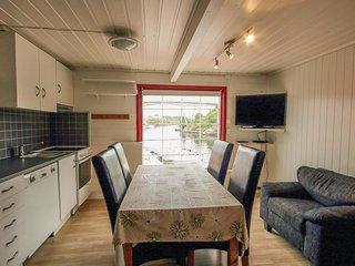 2 bedroom Apartment in Nautnes, Hordaland Fylke, Norway : ref 5547206