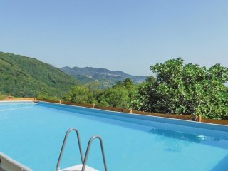 4 bedroom Villa in Canepari, Tuscany, Italy : ref 5547128