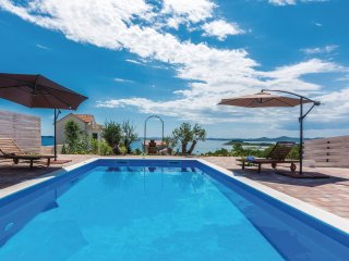3 bedroom Villa in Pakoštane, Zadarska Županija, Croatia : ref 5547070