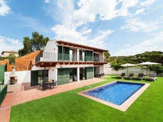 4 bedroom Villa in Lloret de Mar, Catalonia, Spain : ref 5547035
