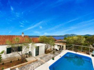 3 bedroom Villa in Raslina, Sibensko-Kninska Zupanija, Croatia : ref 5546793