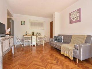 2 bedroom Villa in Zastražišće, Splitsko-Dalmatinska Županija, Croatia : ref 554