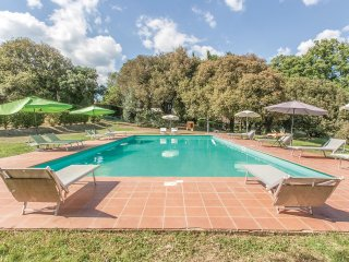 5 bedroom Villa in Pilonico Materno, Umbria, Italy : ref 5546694