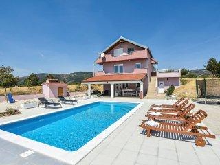 5 bedroom Villa in Sutina, Splitsko-Dalmatinska Zupanija, Croatia : ref 5546596