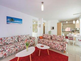 4 bedroom Villa in Ražine, Šibensko-Kninska Županija, Croatia : ref 5546442