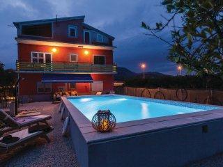4 bedroom Villa in Opuzen, Dubrovacko-Neretvanska Zupanija, Croatia : ref 554643