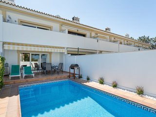 2 bedroom Villa in Vale do Garrao, Faro, Portugal : ref 5546373