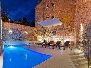 5 bedroom Villa in Bol, Splitsko-Dalmatinska Županija, Croatia : ref 5546220