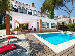 3 bedroom Villa in Castell-Platja d'Aro, Catalonia, Spain : ref 5546081