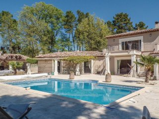 4 bedroom Villa in Montauroux, Provence-Alpes-Cote d'Azur, France : ref 5545960