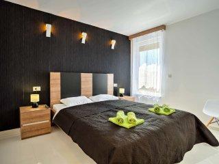 3 bedroom Apartment in Vantacici, Primorsko-Goranska Zupanija, Croatia : ref 554