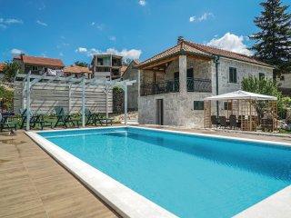 3 bedroom Villa in Zagvozd, Splitsko-Dalmatinska Zupanija, Croatia : ref 5545726