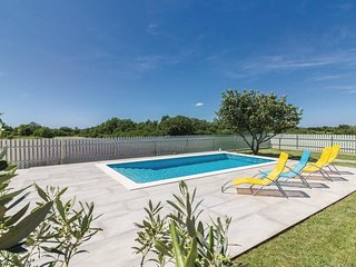 2 bedroom Villa in Muntić, Istria, Croatia : ref 5545377