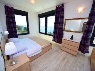3 bedroom Villa in Okrug Gornji / Liveli, Splitsko-Dalmatinska Županija, Croatia