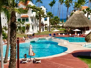FRONT BEACH LOS CORALES WITH POOL