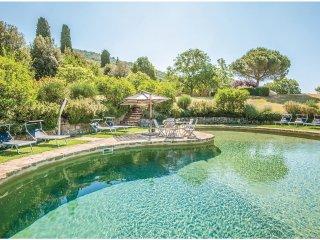 6 bedroom Villa in Castiglioncello del Trinoro, Tuscany, Italy : ref 5545061