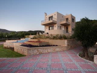 3 bedroom Villa in Nopigeia, Crete, Greece : ref 5544416