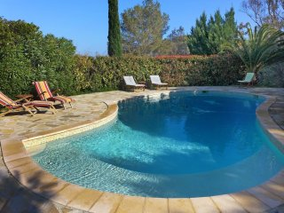 3 bedroom Villa in Saint-Aygulf, Provence-Alpes-Cote d'Azur, France : ref 554433