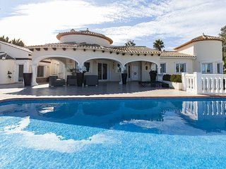 4 bedroom Villa in Casas Alfás, Region of Valencia, Spain - 5544209