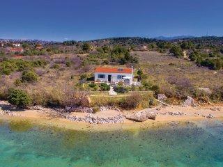 2 bedroom Villa in Barbat, Primorsko-Goranska Županija, Croatia : ref 5543981