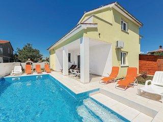 4 bedroom Villa in Fondole, Istarska Županija, Croatia : ref 5543922