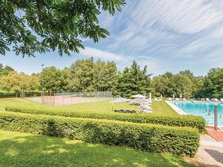 7 bedroom Villa in Ronco, Lombardy, Italy : ref 5543837