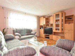4 bedroom Villa in Kresevo, Splitsko-Dalmatinska Zupanija, Croatia : ref 5543813