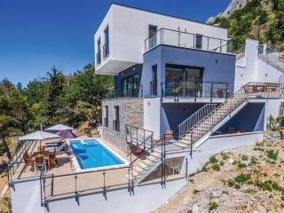 4 bedroom Villa in Lokva Rogoznica, Splitsko-Dalmatinska Zupanija, Croatia : ref