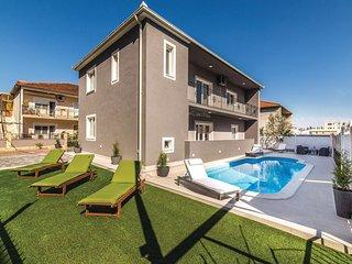 3 bedroom Apartment in Trogir, Splitsko-Dalmatinska Županija, Croatia : ref 5543