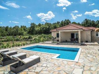 3 bedroom Villa in Karini, Splitsko-Dalmatinska Županija, Croatia : ref 5543782
