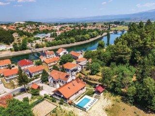 4 bedroom Villa in Trilj, Splitsko-Dalmatinska Županija, Croatia : ref 5543775
