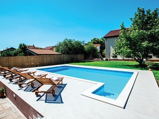 5 bedroom Villa in Jukici, Splitsko-Dalmatinska Zupanija, Croatia - 5543769