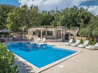 6 bedroom Villa in Krivodol, Splitsko-Dalmatinska Zupanija, Croatia : ref 554365