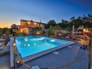 3 bedroom Villa in Labin, Splitsko-Dalmatinska Zupanija, Croatia : ref 5543647
