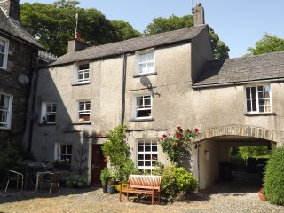 Romantic 18th century holiday cottage