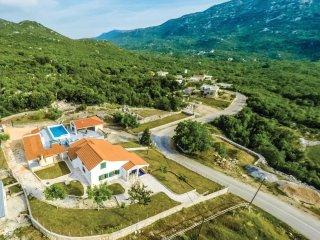 4 bedroom Villa in Pula, Splitsko-Dalmatinska Zupanija, Croatia : ref 5543602