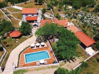 3 bedroom Villa in Sipici, Splitsko-Dalmatinska Zupanija, Croatia : ref 5543584