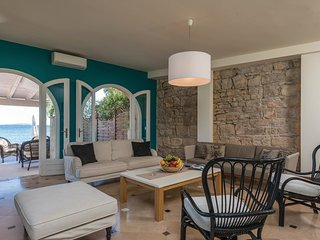 4 bedroom Villa in Orebic, Dubrovacko-Neretvanska Zupanija, Croatia : ref 554335