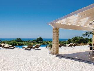 3 bedroom Villa in Marina di Felloniche, Apulia, Italy : ref 5543097