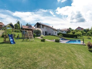 3 bedroom Villa in Starjak, City of Zagreb, Croatia : ref 5542984