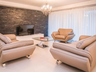 5 bedroom Villa in Novak, Splitsko-Dalmatinska Županija, Croatia : ref 5542906