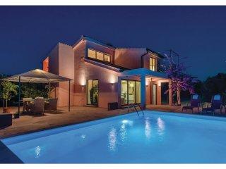 2 bedroom Villa in Rudina, Splitsko-Dalmatinska Zupanija, Croatia : ref 5542800