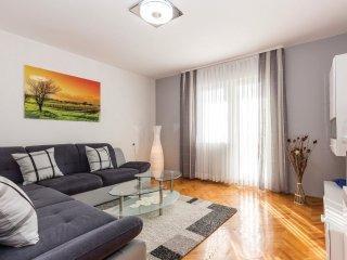 5 bedroom Villa in Novi Vinodolski, Primorsko-Goranska Županija, Croatia : ref