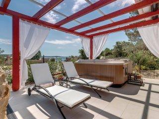 2 bedroom Villa in Mali Halmac, Primorsko-Goranska Županija, Croatia : ref 55427