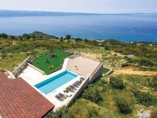 8 bedroom Villa in Bajnice, Splitsko-Dalmatinska Županija, Croatia : ref 5542709
