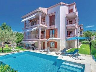 4 bedroom Villa in Jadranovo, Primorsko-Goranska Županija, Croatia : ref 5542636