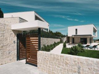 4 bedroom Villa in Tribunj, Sibensko-Kninska Zupanija, Croatia : ref 5542604