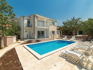 4 bedroom Villa in Kaštel Gomilica, Croatia - 5542589